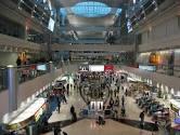 مطار أبوظبي يرفع كفاءة مناولة الأمتعة