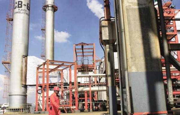 """""""الإمارات"""" تتفق مع اليابان على تخزين أكثر من""""8.1″مليون برميل من النفط"""