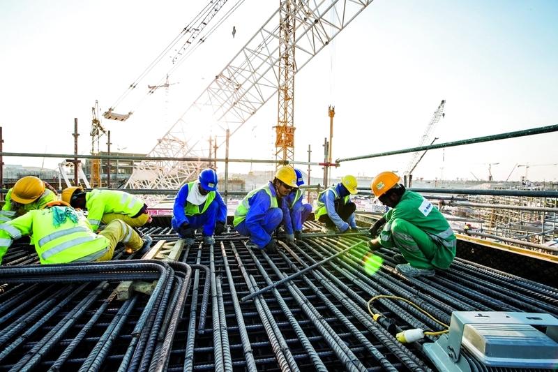 79.5 % من العمالة في دبي تدرك القوانين والواجبات
