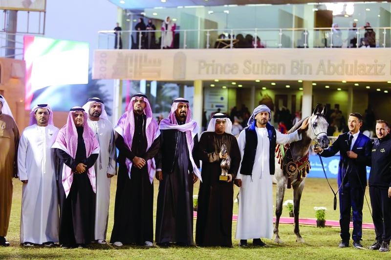 مربط دبي يحصد الذهب بـ«مهرجان سلطان العالمي»