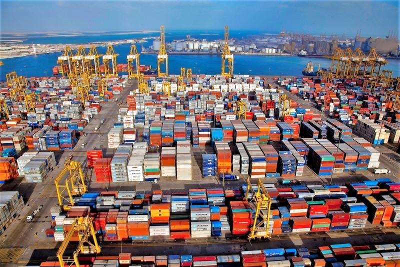 «دافوس»: دبي حلقة وصل بين أفريقيا ودول المنطقة