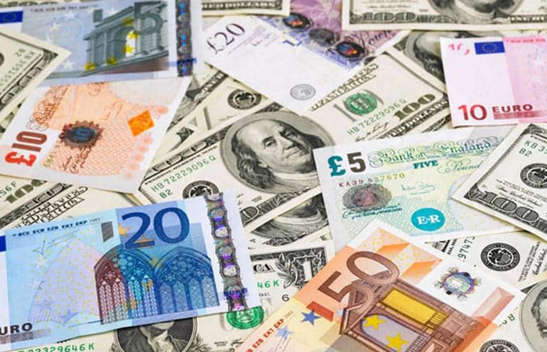 انهيار عملات 4 دول مع تراجع أسعار النفط