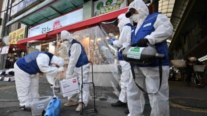 أميركا: ارتفاع الوفيات بفيروس كورونا إلى 100