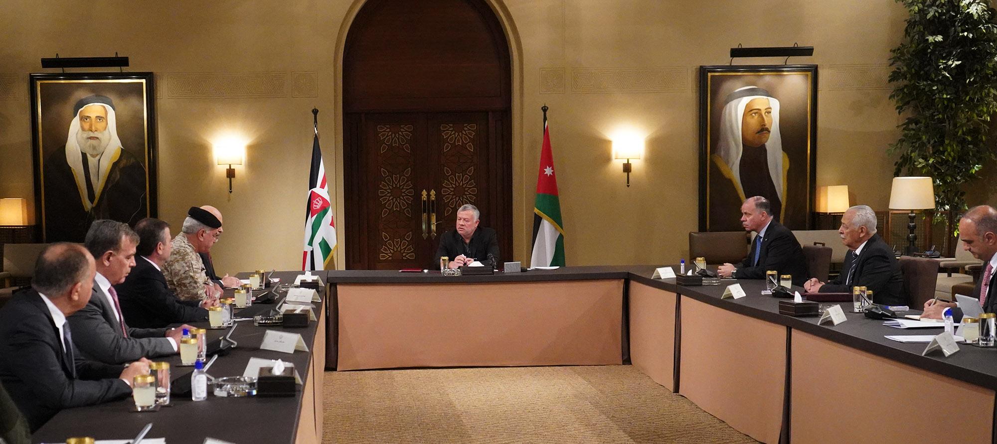 الملك يترأس اجتماعا لمتابعة إجراءات القطاع الصحي فيما يتعلق بفيروس كورونا المستجد