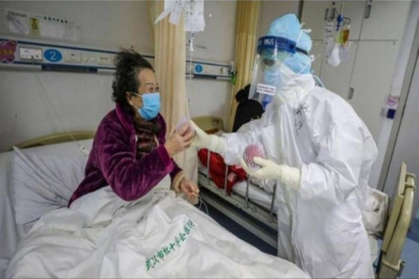 تبلغ من العمر 103 أعوام.. صينية تهزم فيروس (كورونا)