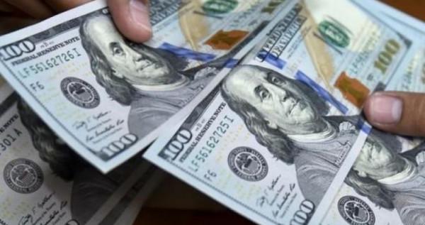 الدولار يُواصل الارتفاع مُجددًا