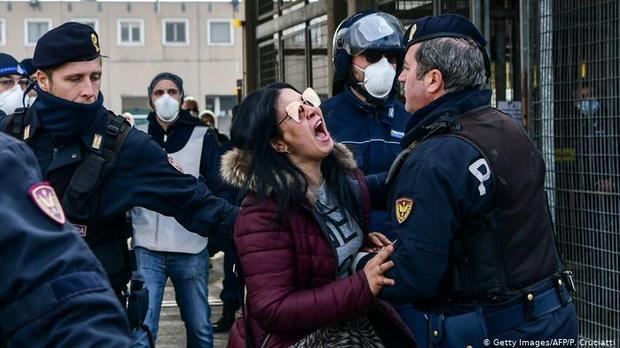"""عزلة الموت"""".. لا فرصة للوداع الأخير بإيطاليا في زمن كورونا """