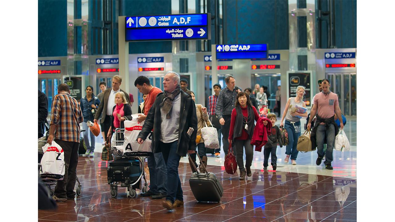 """""""مطارات دبي"""": تعليق الرحلات الجوية إلى 10 وجهات"""