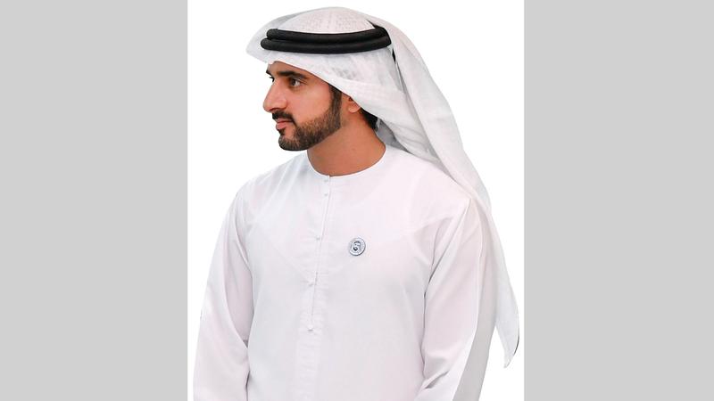 حمدان بن محمد لموظفي حكومة دبي: ابقوا في منازلكم قدر الإمكان
