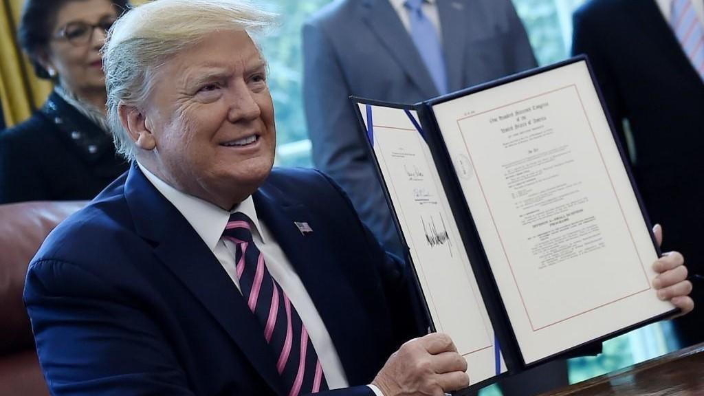ترامب يعلن عن مساعدة اقتصادية جديدة تصل الى 500 مليار دولار