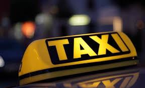 هيئة الاتصالات تدعو سائقي سيارات التكسي الحصول على رخصة التوصيل