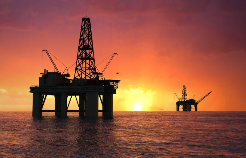 النفط يواصل انخفاضه الى ادنى مستوياته منذ 1999