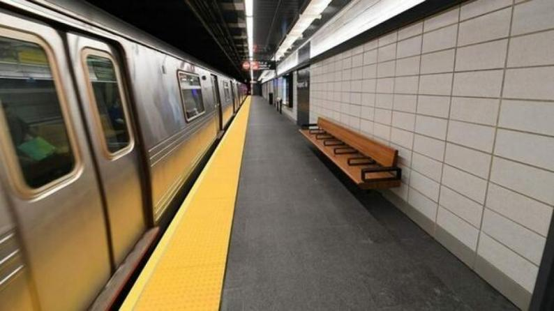 مترو نيويورك يوقف رحلاته بسبب كورونا