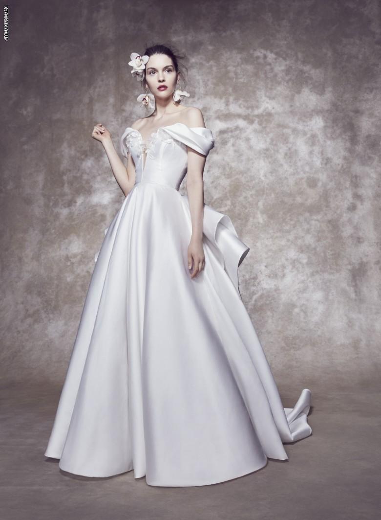 متجر فاخر لفساتين الأعراس يُظهر تقديره لعاملات القطاع الصحي بطريقته الخاصة