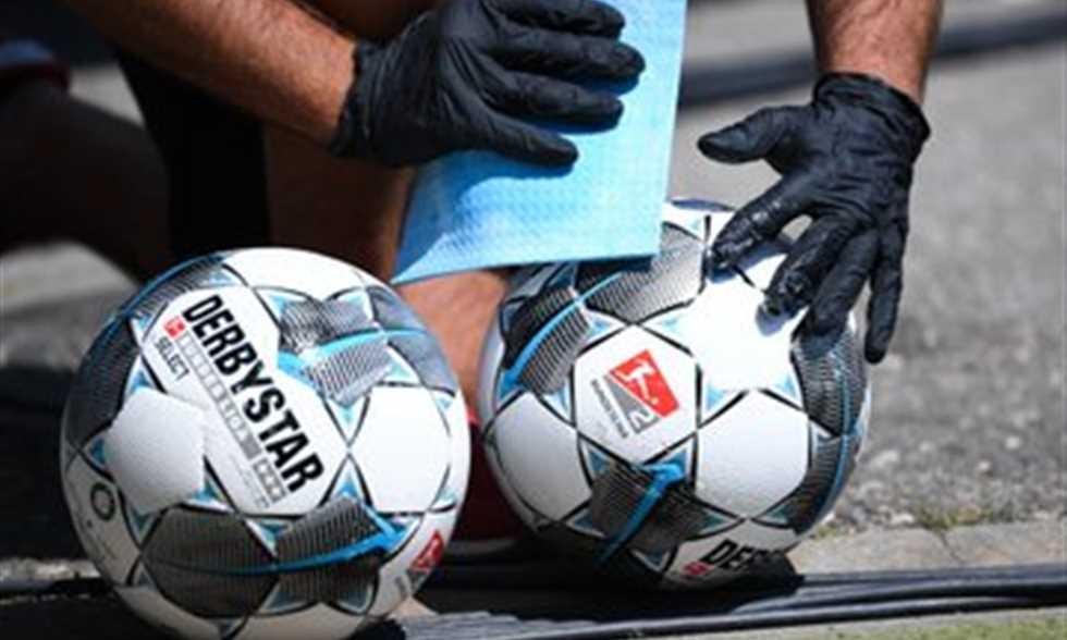 خوفا من الإصابة بـ كورونا.. فريق ألماني يخسر 37-0