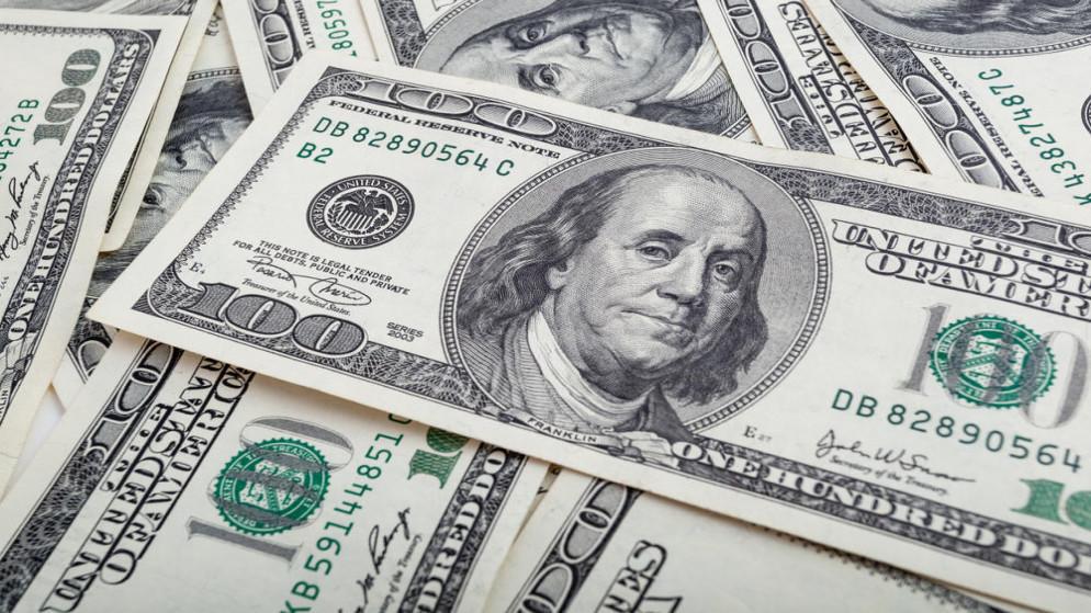 الدولار يعاود الصعود ويحقق أفضل أداء أسبوعي منذ أوائل أبريل