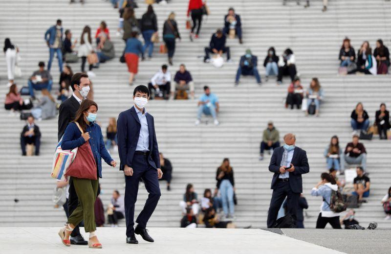 فرنسا تطلق العنان لانعاش اقتصادها من خلال ضخ 100 مليار يورو تحفيزية لإنعاش الاقتصاد