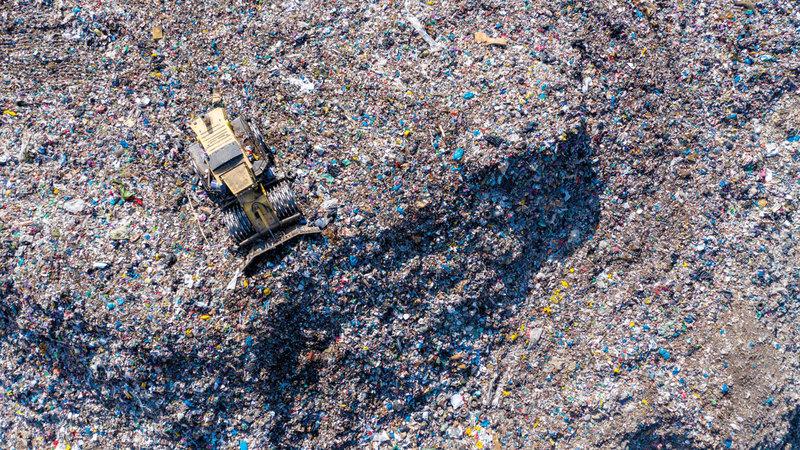 النفايات.. مشكلة بلا حلول تهدّد العالم