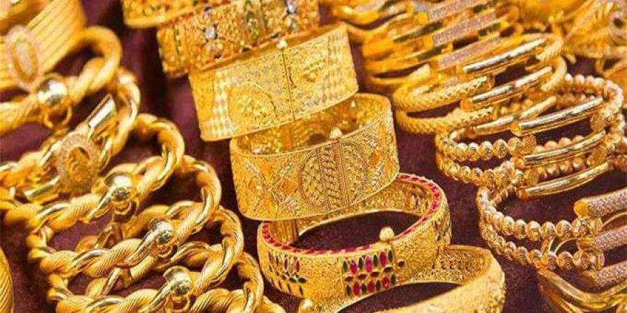 ارتفاع الذهب وتراجع الدولار