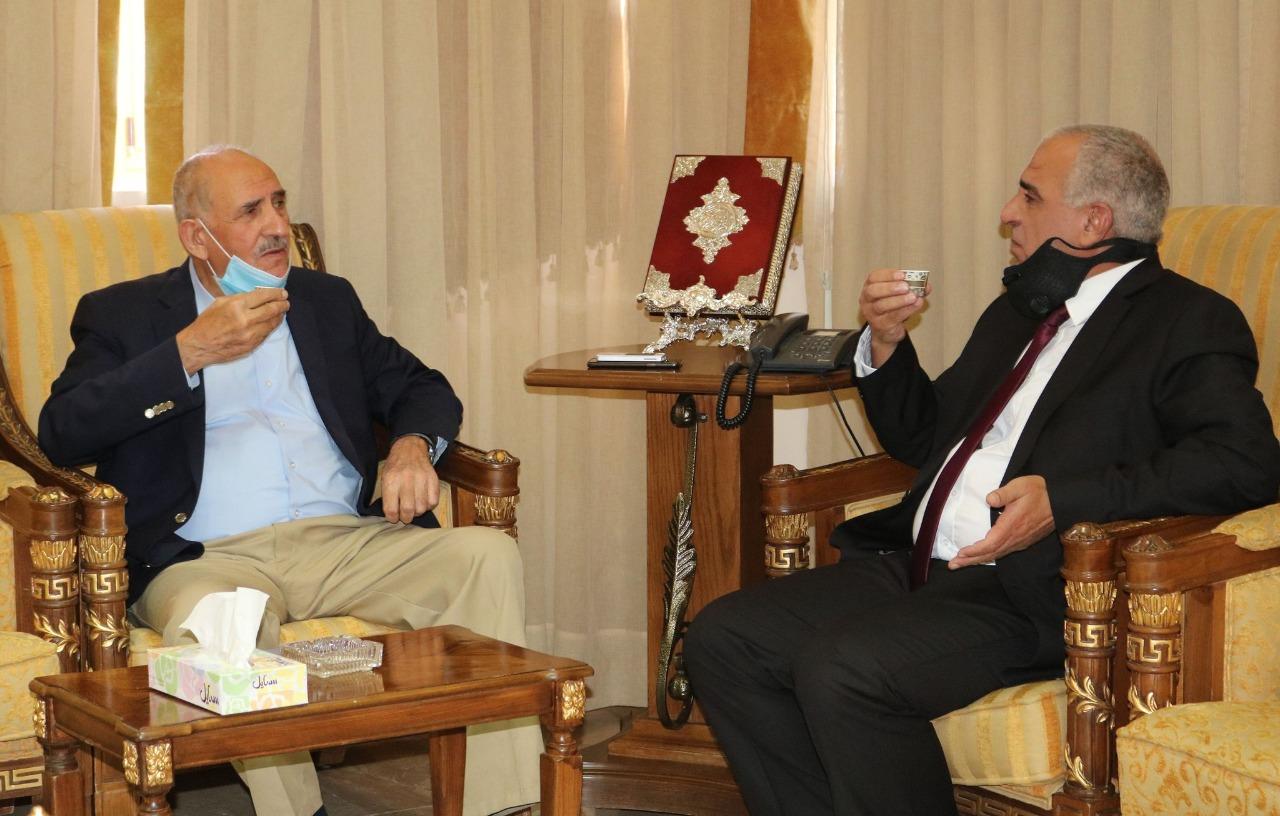 رئيس جامعة الحسين بن طلال يستقبل رئيس مجلس أمناء الجامعة.