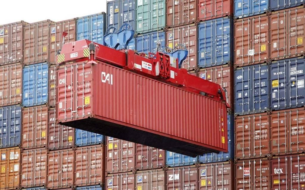 """""""الاتحادية للجمارك"""" تتعاون مع """"دبي لتنمية الصادرات"""" لتسهيل الأعمال والتجارة"""