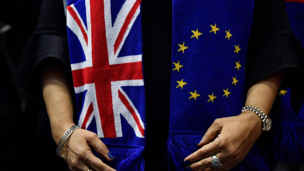 وكالة موديز تخفض تصنيف ديون بريطانيا على خلفية بريكست