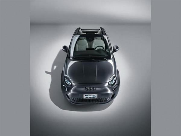 فيات تكشف النقاب عن سيارتها الكهربائية 500e الجديدة