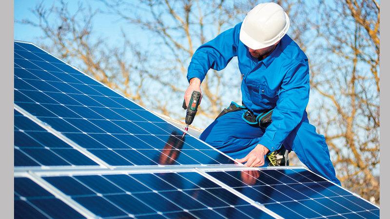 مادة جديدة ترفع كفاءة ألواح توليد الطاقة الشمسية