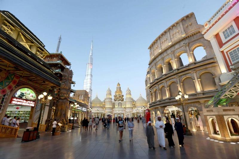 القرية العالمية وجهة مفضلة للمسافرين إلى دبي