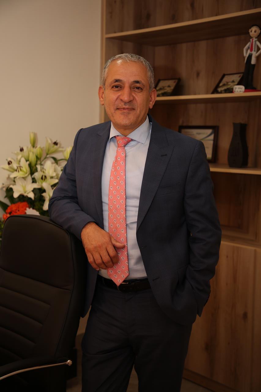 الدكتور هلال أبو غوش استشاري طب النسائية والتوليد واطفال الانابيب