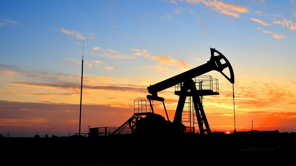 تخفيض تقديرات الطلب على النفط بسبب الموجة 2 لكوفيد-19
