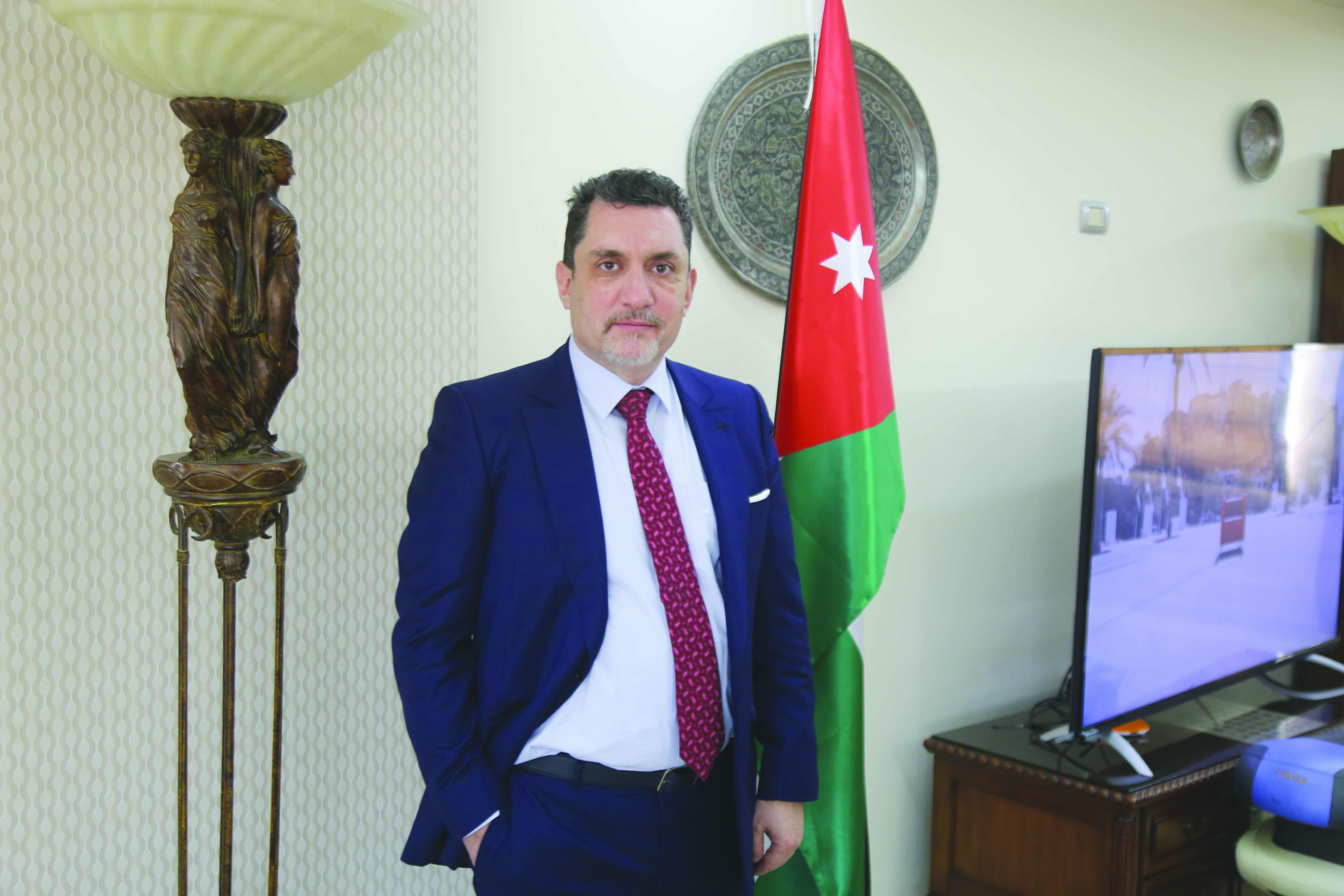 لقاء مع رئيس الجامعة الامريكية للثقافة والتعليم  الدكتور عبد السلام النابلسي