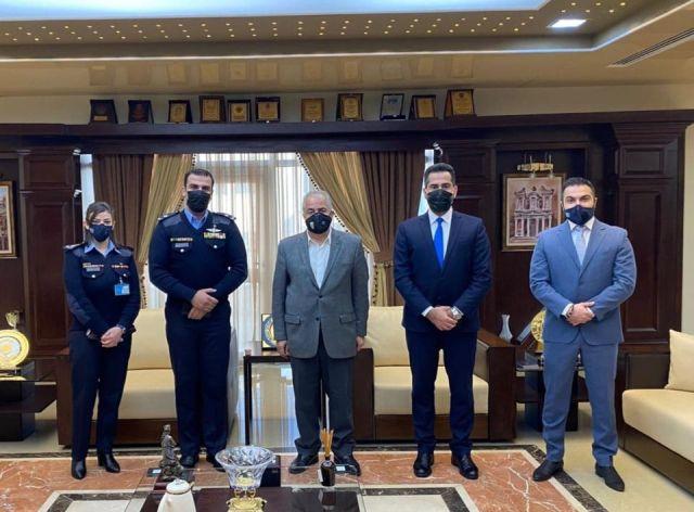 مركز الابتكار في مديرية الأمن العام يزور جامعة عمان الأهلية