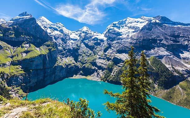 سويسرا بلد الجمال تعرف على أكثر 3 بحيرات خلابة فيها
