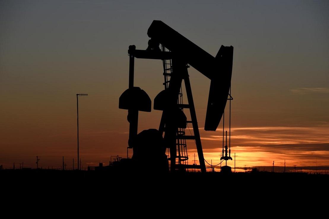 النفط يواصل الارتفاع ويصل الى اعلى مستوياته
