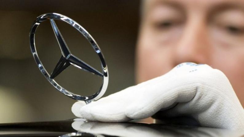 مرسيدس تسحب أكثر من مليون سيارة بسبب خلل فني