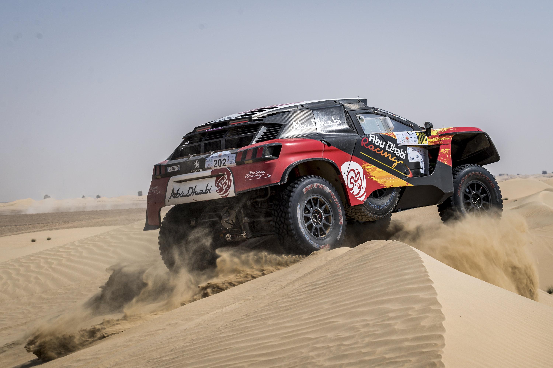 اسدال الستار على رالي دبي الصحراوي