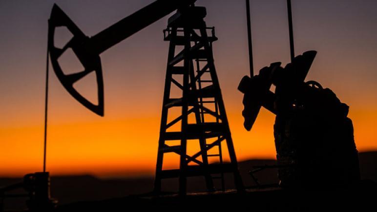 استقرار أسعار النفط بعد انخفاضها بأكثر من 3٪