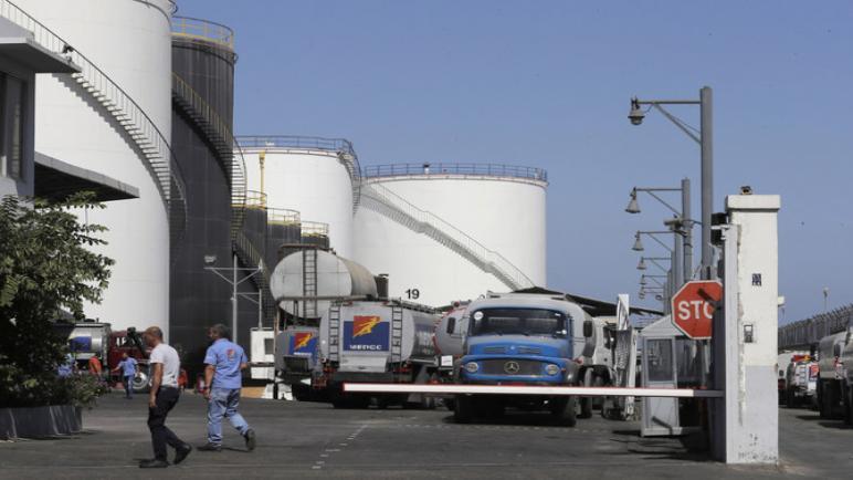 """تزايد المخاوف من أن تؤدي أزمة الوقود في لبنان إلى """"كارثة صناعية وزراعية"""""""