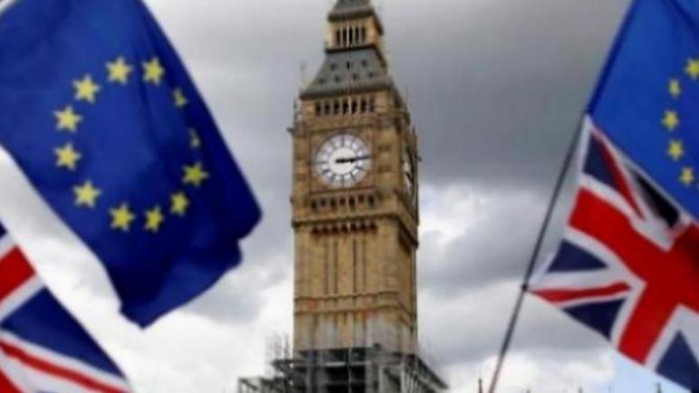 في الشهر الأول من قواعد خروج بريطانيا من الاتحاد الأوروبي ، بدأت التجارة بين المملكة المتحدة والاتحاد الأوروبي في التراجع