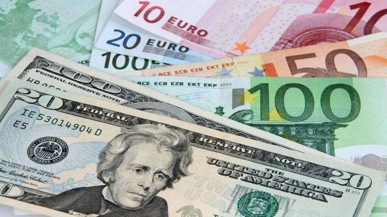 الدولار يرتفع وسط انخفاض سعر العملات