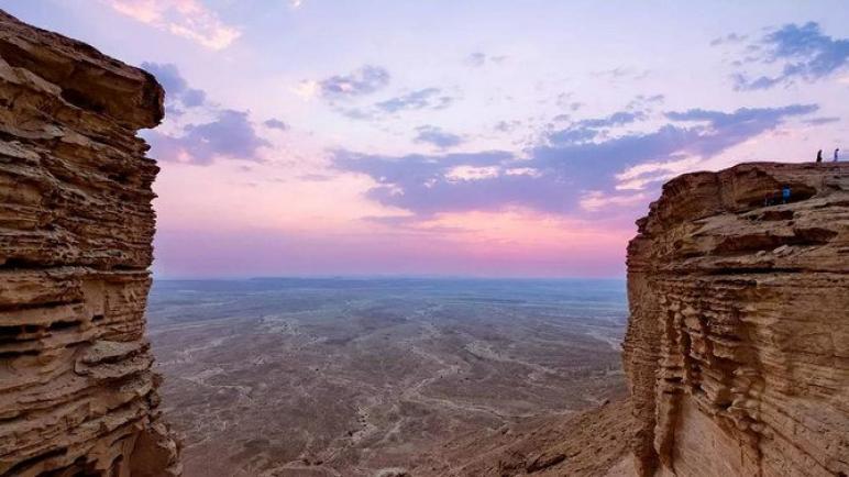 حضور سعودي كبير في معرض السفر في دبي