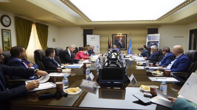 أول اجتماع لمجلس عمداء عمان الأهلية الجديد