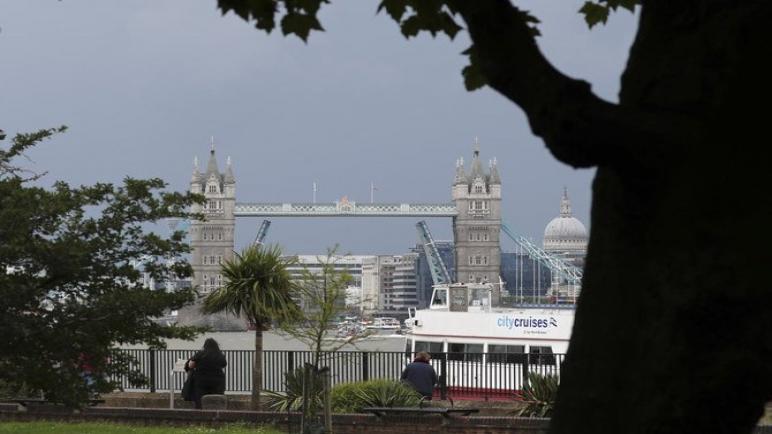 أعادة فتح جسر البرج في لندن أمام حركة المرور بعد أن علق