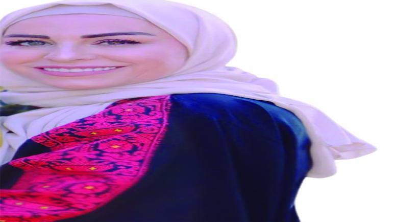 المصممة نانسي نجيب عمار …اقحوانة نجاح من بيروت الى عمان