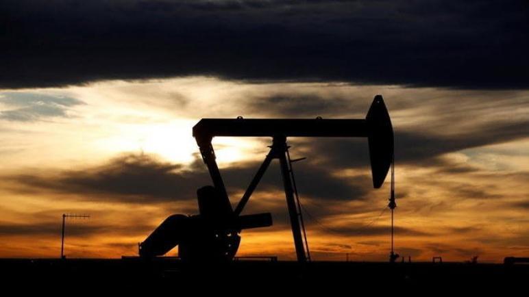 النفط يرتفع وسط مخاوف بالانخفاض